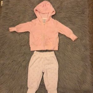 Baby girl outfit size 6 months